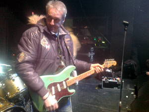 FM - Steve Overland soundchecks in chilly Birmingham 11 Dec 2012
